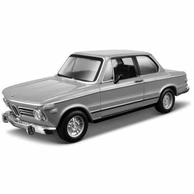 Modelauto bmw 2002tii 1972 1:32