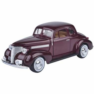 Modelauto chevrolet 1939 coupe donker rood schaal 1:24/19 x 7 x 6 cm