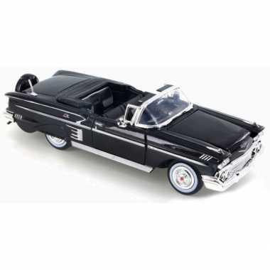 Modelauto chevrolet impala cabrio 1958 1:24