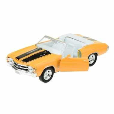 Modelauto chevrolet oldtimer 1971 chevelle geel 1:34