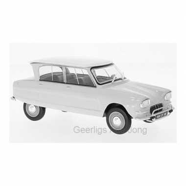 Modelauto citroen ami 6 1961 wit schaal 1:24/16 x 6 x 6 cm