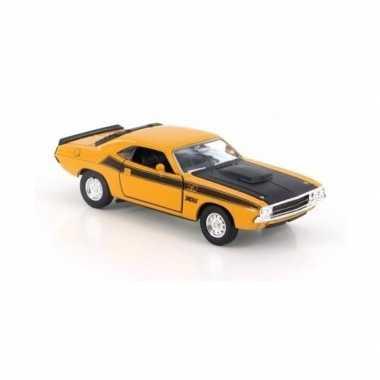 Modelauto dodge challenger 1970 geel 1:34