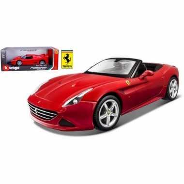 Modelauto ferrari california t cabrio rood 1:18