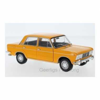 Modelauto fiat 125 1969 geel schaal 1:24/17 x 7 x 6 cm