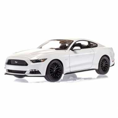 Modelauto ford 2015 mustang gt wit 1:36