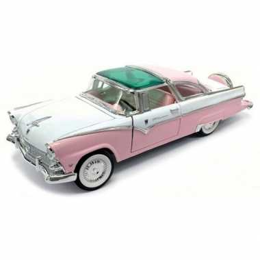 Modelauto ford fairlane crown victoria 1:18