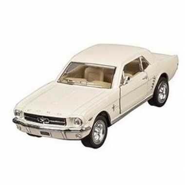 Modelauto ford mustang 1964 creme 13 cm