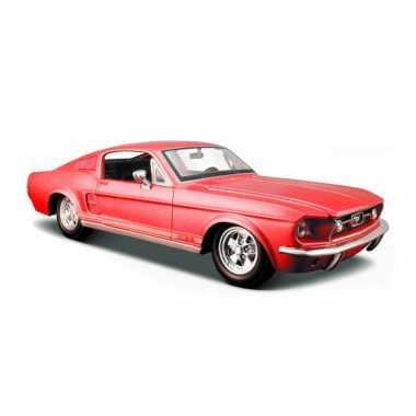 Modelauto ford mustang gt 1967 rood schaal 1:24/19 x 7 x 5 cm