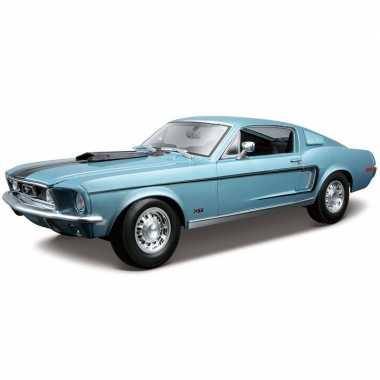 Modelauto ford mustang gt cobra 1968 blauw 1:18