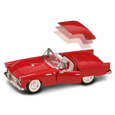 Modelauto ford thunderbird 1:18