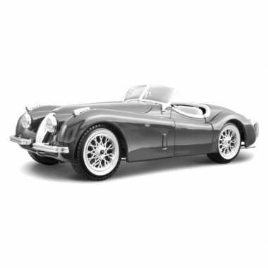 Modelauto jaguar xk 120 cabrio zilver 1:24